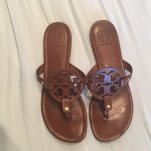 TORY BURCH SANDALS SIZE 9 in TAN
